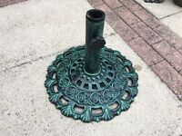 Green Wrought Iron Garden Parasol Base Stand