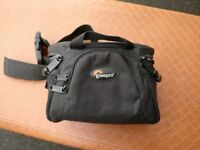 Quality single-camera Lowepro camera bag for waist carry
