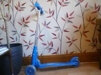 Mini Street Cruz scooter (blue) fairly good condition