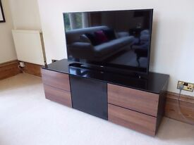 TV Bench - well made, excellent storage - AS NEW