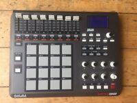 Akai MPD32 MIDI/SAMPLE CONTROLLER