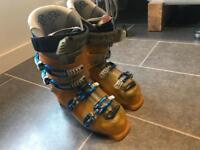 Head men's ski boots size 27.5 (UK men's size 9.5)
