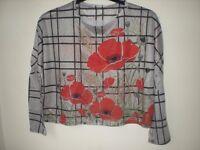 Women's poppy flower pattern top