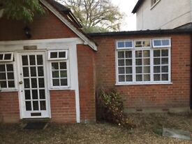 One bedroom flat to rent unfurnished in Thames Ditton