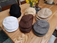 Job lot BRAND NEW flat caps - 16 in assorted colours - peaky blinders ;-)