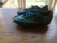 Child's nike mercurial football boot size 3.excellent condition