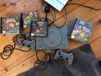 Playstation 1 + 2 controllers + 13 Games (incl. Crash Bandicoot 2 and Spyro The Dragon)