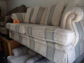 Fabric suite £150 very nice