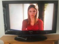 "42"" Samsung lcd tv With hd freeview hdmi Remote no problem with it good condition"