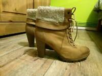 Stunning beige heel ankle boots, size 5