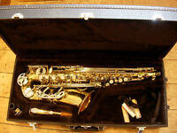 Earlham alto saxophone -great starter sax with all accessories