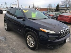 2016 Jeep Cherokee North 4x4! RATES AS LOW AS 3.69%OAC APPLY NOW