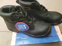 Safety boots heavy duty work shoes builder footwear