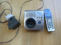 Panasonic KX-TG7220SPS Cordless Telephone/ Answering Machine