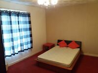 Extra Large Double room, Southampton City Centre, Walking to Solent University & Royal Hospital