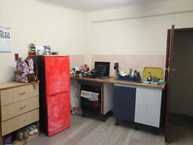 Large Studio Flat fully furnished in Harrow £750 a month including all bills.