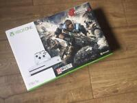 Xbox one gears of war Edition brand new