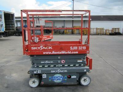 2017 Skyjack Sjiii 3219 Scissor Lifts - 19ft Platform 25ft Working Height