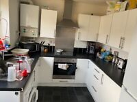 Double room to rent £580/620 all bills included. Available now!