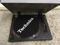 Turntable + Mixer