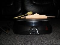 VonShef crepe/pancake maker with accessories