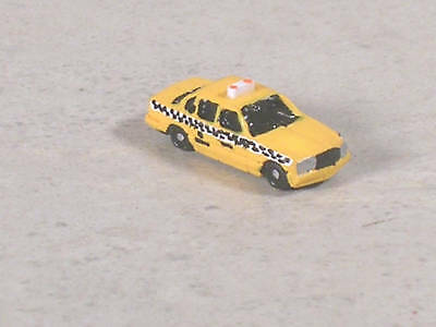 Z Scale 2000 Yellow Checker Cab Taxi Auto