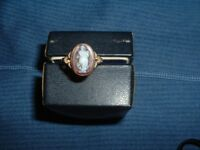 9CRT GOLD LARGE CAMEO RING