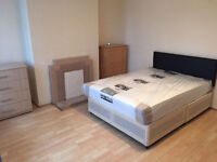 HUGE DOUBLE ROOM AVAILABLE IN MILE END - WELL LINKED