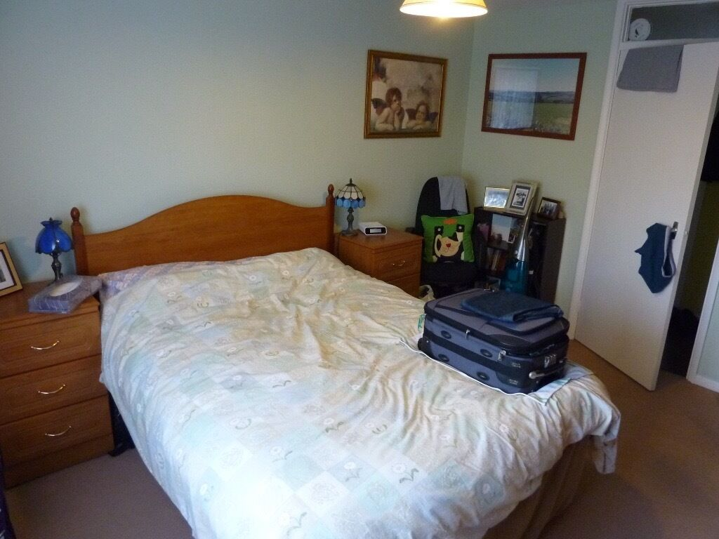 Professional or Student Welcome HATFIELD ROOM AVAIL TODAY. Close to Train, Shops, UNI, Business Park