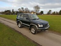 ISUZU TROOPER short wheelbase 3.5 color black,5 speed manual,gas conversion