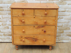 Antique Chest of Drawers o Bun feet (Delivery)