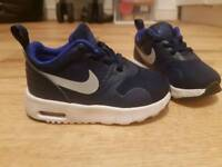 Boys Adidas Nike air trainers sz 4.5 like new