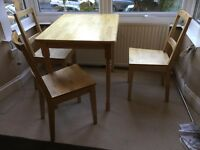 Dining table & 3 chairs