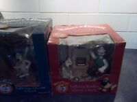 Wallace and gromit clock radio and work clock