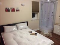 URGENT !!: 1 En-Suite Bedroom is Available in a Shared Flat at Hove (All Inclusive)
