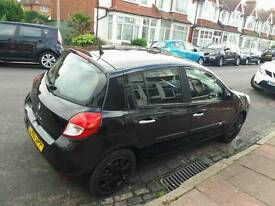 Renault clio new mot new brake pads tyres
