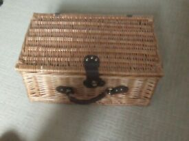 Wicker Picnic basket with mugs and plates