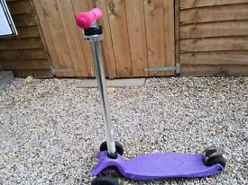 Purple Micro scooter for a girl in very good used condition
