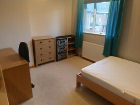 2 x Double Bedroom - NR1 - 10 mins into town