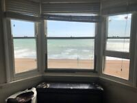 *STUDENTS SEPTEMBER 2021* SB Lets are delighted to offer this spacious 2 bedroom flat with SEA VIEWS