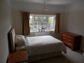 Good sized double room available now. Ashford high street near Heathrow airport