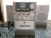 HI-FI STEREO SYSTEM WITH CD AND RADIO AND TAPE
