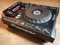 Pioneer CDJ 900