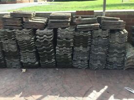 Used roof tiles approx 550