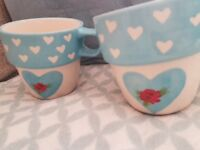 Lovely set of 4 Mugs