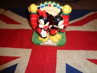 Walt Disney World Ceramic Mickey Minnie Salt & Pepper Shakers with Stand