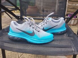 Nike women sport shoes size 4 almost new