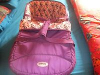 ** Obaby Zeal Carrycot **