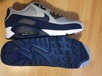 Brand new Men's Genuine Nike Air Max 90 - Size 11