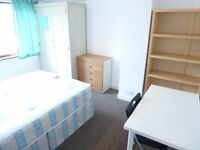 BRIGHT SINGLE ROOM WITH DOUBLE BED TO RENT NEAR PERIVALE STATION / CENTRAL LINE